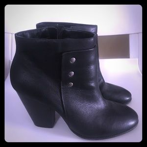 Sole Society Erlina Black Boots - Size 10